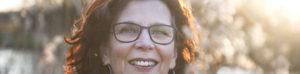 Headerbeeld Trudy van Keeken van Het Rouwkollektief. Fotografie: Lucy Lambriex, ziebinnenzijde.nl